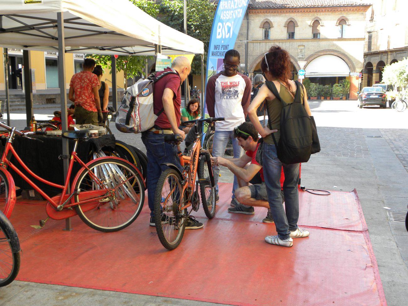 piazza aldrovandi biciclette